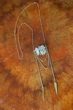 Necklaces Boho Tribal Gold Arrow Quartz Point Necklace - Healing Boho Chic Jewelry for Spring - Bohemian Necklace, Boho Jewelry, Beaded Jewelry, Jewelry Accessories, Jewelry Necklaces, Jewelry Design, Fashion Jewelry, Unique Jewelry, Pearl Necklaces