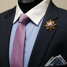 Tie,lapel pins and pocket square combination sets