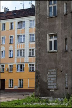 ul. Ptasia  #Wroclaw #Breslau #Poland #architecture #tenement Poland, Landscapes, Garage Doors, Multi Story Building, Architecture, Outdoor Decor, Home Decor, Paisajes, Arquitetura