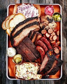 BBQ is just bigger and better in Texas! Mouthwatering Carnivorous BBQ Heaven from Franklin's in Austin. Meat Platter, Food Platters, Sausage Platter, Franklin Bbq, Cheat Meal, C'est Bon, Food Presentation, Love Food, Great Recipes