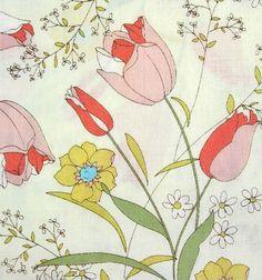 pretty vintage floral fabric... wish I had a big, big piece!
