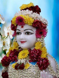 01-06-2018  Rupala Shree Ghanshyam Maharaj  Singar Darshanm