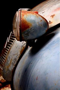 hot rod, muscle cars, rat rods and girls: Photo Vintage Trucks, Old Trucks, Vintage Diner, Pompe A Essence, 2cv6, Rust In Peace, Auto Retro, Rusty Cars, Rusty Metal