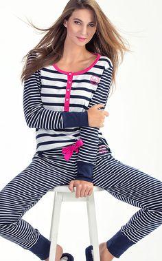 LEXI. ALEGRE SEU DIA! Pra alegrar seu dia, uma combinação de cores entre as listras e você. Conjunto de ribana 100% Algodão com peitilho aplicado e botões reforçados e personalizados. Bordado contrastante exclusivo Mixte aplicado na blusa e calça legging. Bainha arredondada e acabamentos em bordadinho. Cute Pjs, Cute Pajamas, Sleepwear Women, Pajamas Women, Pajama Outfits, Cute Outfits, Mini Club Dresses, Mini Skirts, Pyjamas