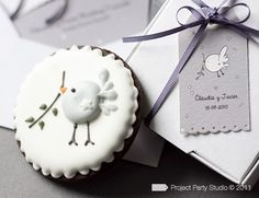 Pretty idea to paint onto Christmas balls for Communion gifts.
