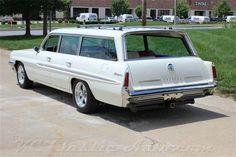 '61 Pontiac Safari 9 Passenger Wagon