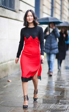 <p><strong>Tip:</strong> How do you keep a low-key outfit interesting? Just add crushed velvet trousers.</p>
