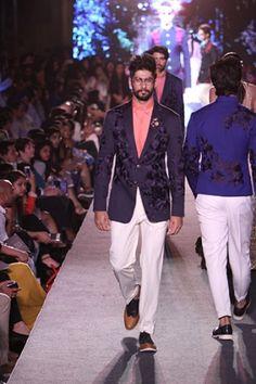 Manish Malhotra. LFW S/R 15'. Indian Couture. Manish Malhotra Collection, Indian Men Fashion, Indian Couture, Sherwani, Men Dress, Suit Jacket, Dressing, Suits, Indian Menswear