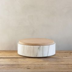 Tray in white marble and wood by Michael Verheyden.