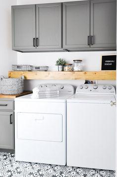 7 Small Laundry Room Design Ideas - Des Home Design Room Makeover, Room Design, Room Renovation, Laundry Room Renovation, Mudroom Laundry Room, Room Storage Diy