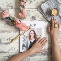 Este es el último ejemplar de @laine_magazine así que si le habías echado el ojo date prisa y no te quedes sin el que ya no volverá. . Madejas de @olann.ie todo en www.ohlanas.es . #lana #lanas #yarn #wool #olannyarns #handdyedyarn #lainemagazine #knitlife #knitlove #igknitter #yarnstagram #knittersofig #mylifestyle #thesimpleeveryday #cupinaframe #letsknit #liveauthentic #passionpassport #ohlanas #lanasconhistoria