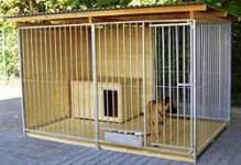 """Hundezwinger, halbe Rückwand u. 1 Seite geschlossen, """"Home"""""""