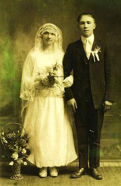 Vintage Wedding Photos, Vintage Photos, Vintage Weddings, Wedding Reception, Wedding Gowns, Vintage Photography, Wedding Portraits, Vintage Dresses, Marie