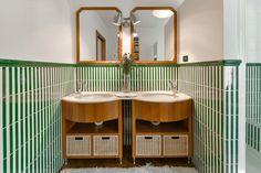 Bath room with a double skins. Valentina Farassino Architetto
