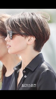 Asian Short Hair, Short Grey Hair, Short Hair With Layers, Short Hair Cuts For Women, Feminine Short Hair, Haircuts For Medium Hair, Short Bob Haircuts, Medium Hair Styles, Curly Hair Styles