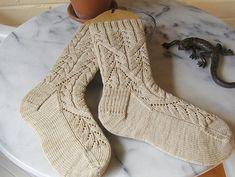 Cadence Socks #free #pattern