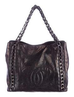 b2753ebd339c Chanel Luxe Ligne Tote Chanel News, Shopping Chanel, Chanel Handbags, Fall  Looks,