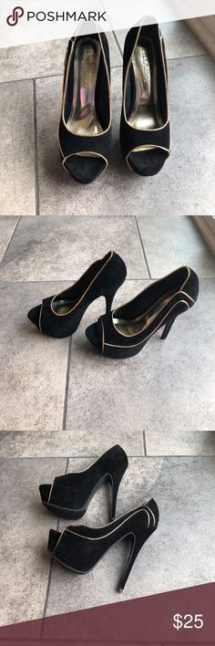 LILIANA PUMP STILETTO BLACK GOLD SUEDE SHOES 8 Brand never worn Liliana Shoes Heels