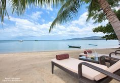 Baan Tawantok Villas (Lipa Noi, Koh #Samui) is an impressive two-villa residence with striking architectural features and a Tennis lovers dream with its own private court.