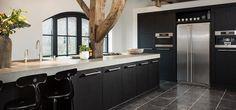 Afbeeldingsresultaat voor donkere keuken houtstructuur