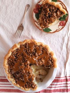 Caramel Apple Pie and a Pioneer Woman Cookbook Giveaway