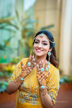 A Beautiful Sikh Wedding In Chandigarh With Couple In Pastel Wedding Outfits Sikh Bride, Punjabi Bride, Sikh Wedding, Saree Designs Party Wear, Indian Bridal Jewelry Sets, Bridal Jewellery, Haldi Ceremony, Dress Indian Style, Mehandi Designs