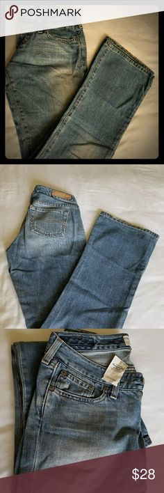 Abercrombie Jeans Size 0 (NWT) Abercrombie made these jeans to feel worn-in and to look like you've been wearing them for a week! They feel so comfortable to the touch. Abercrombie & Fitch Jeans Boot Cut