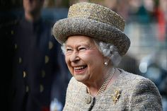 The Queen Opens Flanders Field WW1 Memorial Garden Anne Marie Duff, Prince Georges, Reine Victoria, Queen Victoria, Meghan Markle, Robbie Williams, Trooping The Colour, Mr. Porter, God Save The Queen
