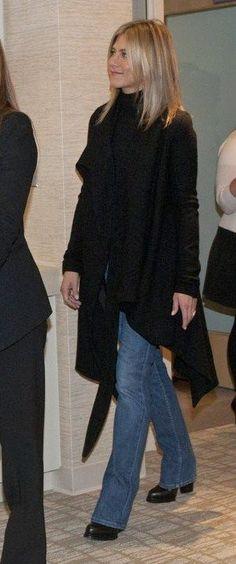 Jennifer Aniston Tours Breast Cancer Center With Jill Biden