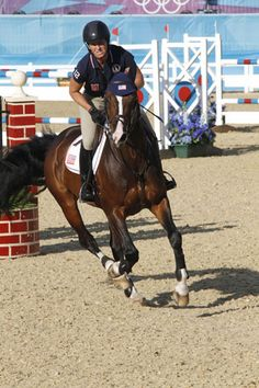 Beezie Madden and Via during warm-ups in London. Photo from World of Showjumping