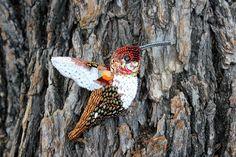 """Купить Брошь """"Колибри в бронзовом"""" - колибри, птица, бронзовый, белый, коричневый, брошь, лето, кристалл"""