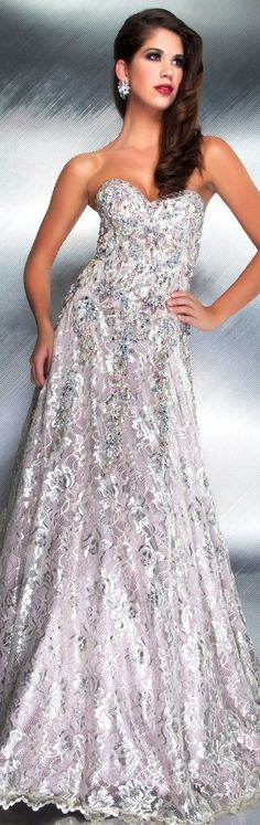 Find a stunning designer evening dress for your next event. The Mac Duggal Evening collection features dresses with classic silhouttes amped up for the modern woman. Glamorous Evening Gowns, Ball Gowns Evening, Evening Dresses, Most Beautiful Dresses, Nice Dresses, Awesome Dresses, Couture Dresses, Fashion Dresses, Ladylike Style