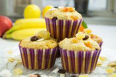 Banana vegetarian muffins - click for recipe / Reteta de briose de post cu banane.