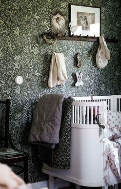 Modern Floral Wallpaper, Contemporary Wallpaper, Living Room Inspiration, Home Decor Inspiration, Baby Barn, Bohemian Bedroom Decor, Woodland Nursery Decor, Big Girl Rooms, Kidsroom