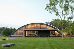 Some people may rarely hear about Quonset Hut Homes. What is actually quonset hut? Quonset hut is a structure with a semicircular shape and it is completed with long steel which is self-supporting and. Metal Building Homes, Metal Homes, Building A House, Steel Frame House, Steel House, Steel Home Kits, Quonset Hut Homes, Hut House, Tiny House