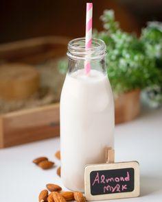 Γάλα από αμύγδαλο Glass Of Milk, Vegan Recipes, Drinks, Healthy Food, Health Foods, Beverages, Healthy Nutrition, Drink, Healthy Foods
