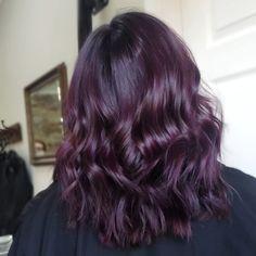 Violet Brown Hair, Purple Brown Hair, Violet Hair Colors, Hair Color Purple, Hair Dye Colors, Dark Burgundy Hair, Purple Ombre, Eggplant Colored Hair, Eggplant Hair