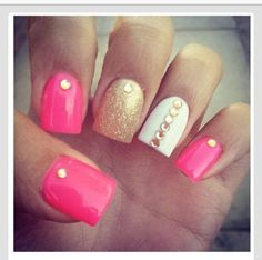 Nails, nail art, nail design, pink, gold, white, sparkly, jewels