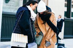 Street looks à la Fashion Week automne-hiver 2015-2016 de New York http://www.vogue.fr/mode/street-looks/diaporama/street-looks-la-fashion-week-automne-hiver-2015-2016-de-new-york/19083/carrousel#street-looks-la-fashion-week-automne-hiver-2015-2016-de-new-york-43