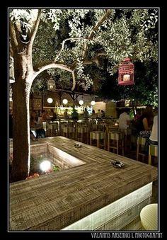 View full picture gallery of Erateinon (summer Public) Outdoor Restaurant Design, Rooftop Restaurant, Restaurant Concept, Rooftop Bar, Lounge Design, Cafe Design, Budapest Ruin Bar, Garden Cafe, Corner House