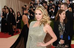 Kate Upton is engaged to Justin Verlander flashes her new ring at Met Gala 2016