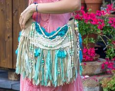 Hippie Purse, 70s Outfits, Sew Bags, Unique Purses, Fringe Bags, Boho Bags, Everyday Dresses, Leather Working, Wearable Art