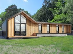 Luxury Bespoke Mobile Homes, Garden Lodges, Log Cabins and Static Caravan Manufacturers. Home Building Design, Building A House, Garden Lodge, Summer House Garden, Back Garden Design, 2017 Design, Bungalow House Design, Garden Buildings, Garage House