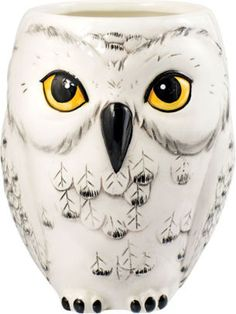 Buy Harry Potter - Hedwig Owl Shaped Mug online and save! Take your morning tea or coffee with Harry Potter's trusted owl, Hedwig! This Harry Potter Hedwig Owl Shaped Mug will bring to mind the wonderful fan. Hedwig Harry Potter, Harry Potter Gifts, Harry Potter Plants, Hedwig Owl, Ceramic Mugs, Ceramic Art, Mugs Set, Just In Case, Great Gifts