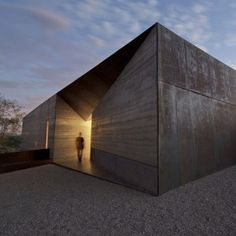 Simple forms and wonderful textures>> Desert Courtyard House by Wendell Burnette features rammed earth walls
