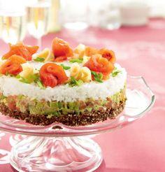 The ultimate Finnish - Japanese crossover :O Sandwich Cake, Sandwiches, Sushi Cake, Asian Recipes, Ethnic Recipes, Food Trends, Sashimi, Japanese Food, Nom Nom
