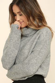 You'll be warm and cozy all day long in the Favorite Dream Heather Grey Turtleneck Sweater! This ultra-soft knit top will become a wardrobe staple, with its relaxed turtleneck, long sleeves with ribbed cuffs, and notched, high-low hem.