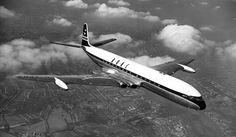 Primeiro jato comercial, o Comet podia transportar até 85 passageiros; a autonomia beirava os 4.000 km (Domínio Público)