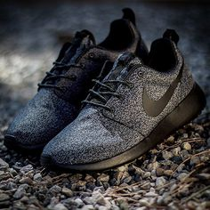 Everyone want a pair of nike shoes and the ones who did get a pair were especially lucky. Our Nike shoes sale at greatest discounts will be your second to none choice.