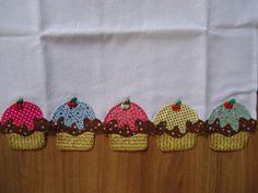 Lindo pano de prato em patchcolagem de cup cake, ideal para decorar sua cozinha, copa ou área de lazer. UM CHARME. ÓTIMA OPÇÃO PARA PRESENTEAR. R$30,00